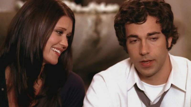 Zachary Levi insieme a Sarah Lancaster in una scena dell'episodio Chuck Versus the Ex della seconda stagione di Chuck
