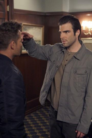 Zachary Quinto e Adrian Pasdar in una scena di I Am Sylar della terza stagione di Heroes
