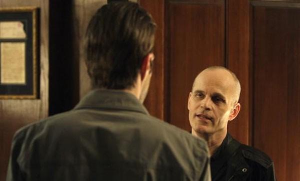 Zeljko Ivanek e Zachary Quinto in una scena di I Am Sylar della terza stagione di Heroes