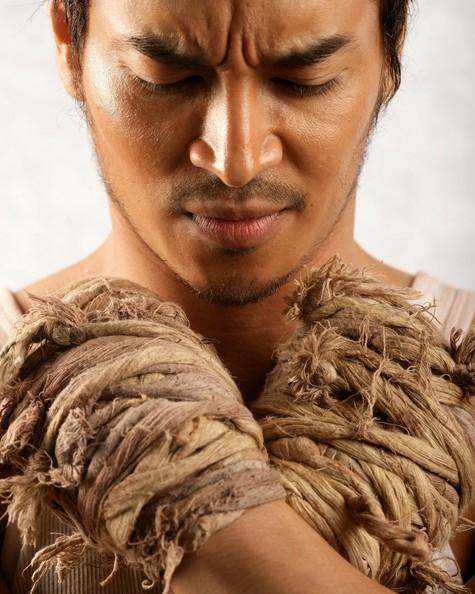 Akara Amarttayakul in una bella immagine promo del film Chaiya