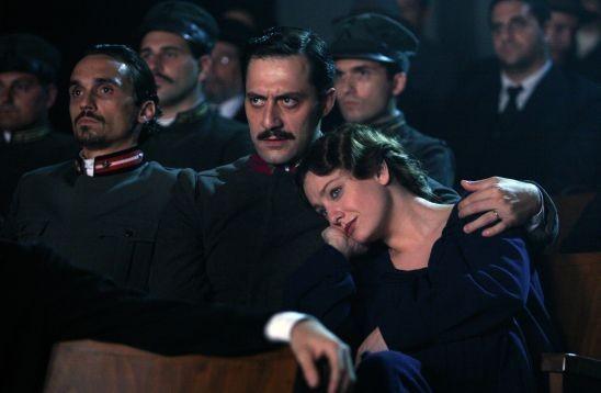Giovanna Mezzogiorno e Filippo Timi in una scena di 'Vincere'