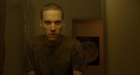 Enter the Void: Nathaniel Brown in una scena del film