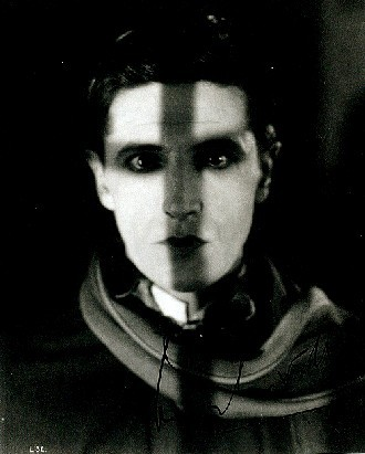 Ivor Novello è Il pensionante (The Lodger, 1926)