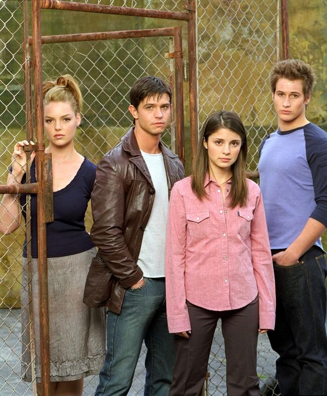 I tre fratelli alieni e Liz (Shiri Appleby) nella 1 serie di Roswell