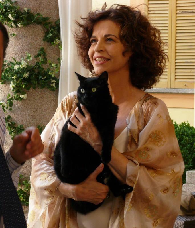 Anna Galiena in una scena del film TV Un amore di strega