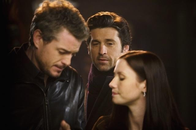 Eric Dane, Patrick Dempsey e Chyler Leigh in una scena dell'episodio Beat Your Heart Out di Grey's Anatomy