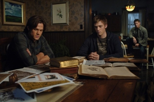 Jared Padalecki e Jake Abel in una scena dell'episodio Jump the Shark di Supernatural