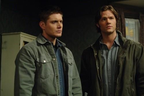 Jared Padalecki e Jensen Ackles in una scena dell'episodio Jump the Shark di Supernatural
