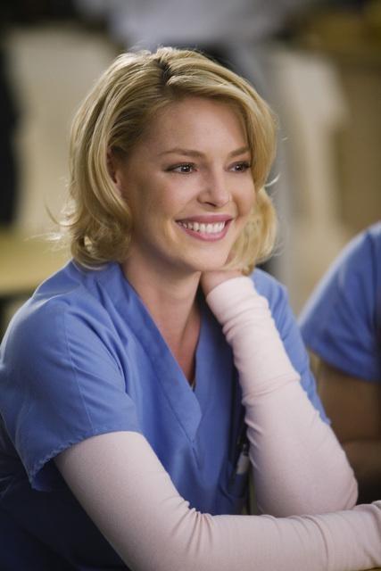 Katherine Heigl in una scena dell'episodio Beat Your Heart Out di Grey's Anatomy