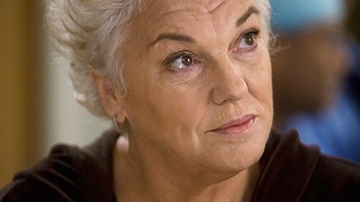 Tyne Daly in una scena dell'episodio Compassione per il diavolo di Grey's Anatomy