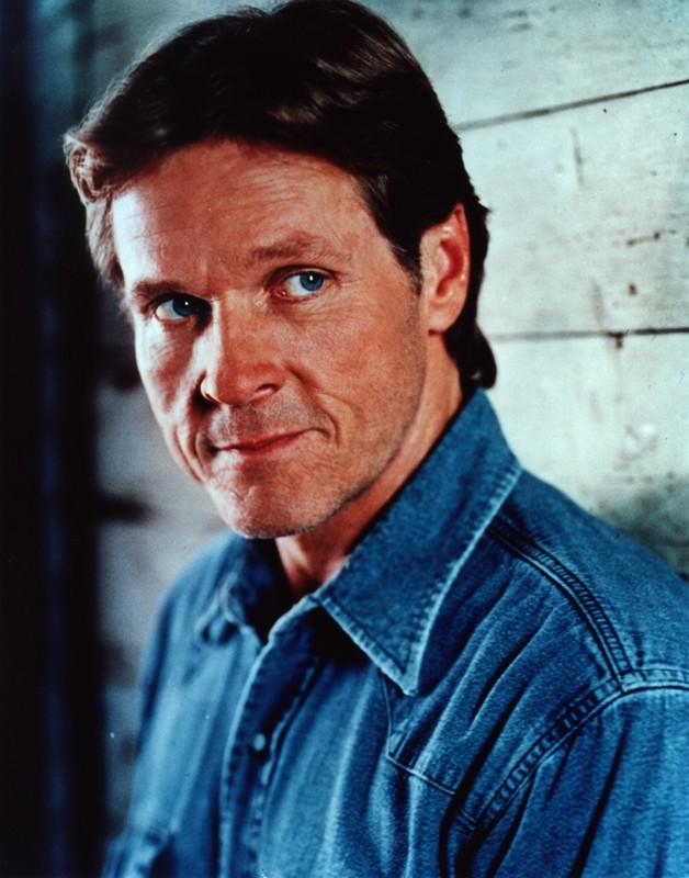 William Sadler in camicia jeans