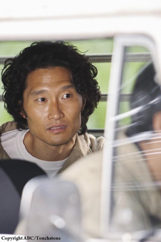 Daniel Dae Kim in una scena dell'episodio The Incident, finale della stagione 5 di Lost
