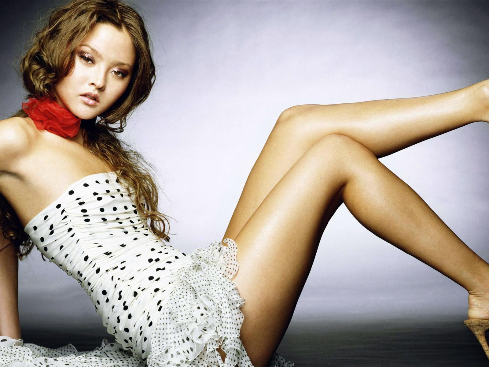 Wallpaper: Una sexy Devon Aoki