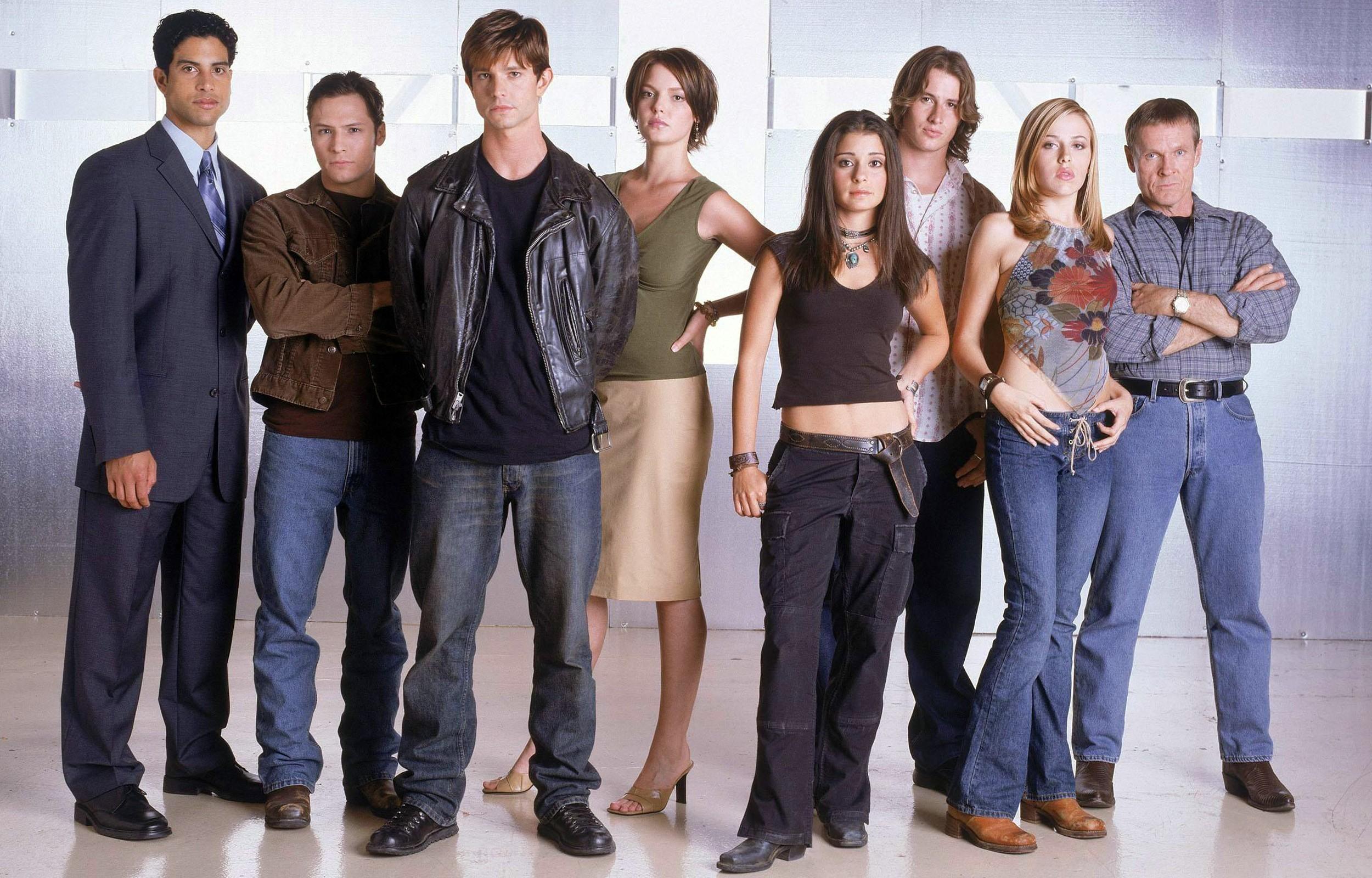 Wallpaper del cast della 3 stagione di Roswell