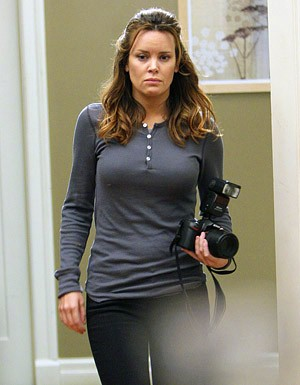 Colleen Porch nel ruolo di Kathy White in una scena dell'episodio '5 Quarts' della serie tv Life