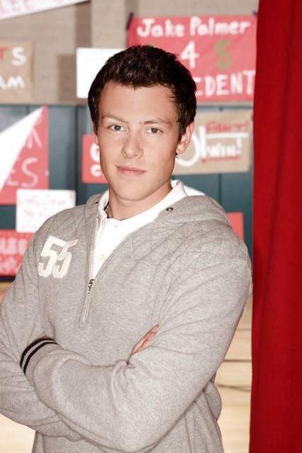 Cory Monteith in una foto promozionale della serie Glee