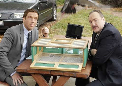 Damian Lewis e Brent Sexton  durante una scena dell'episodio 'Hit me Baby' della serie tv Life