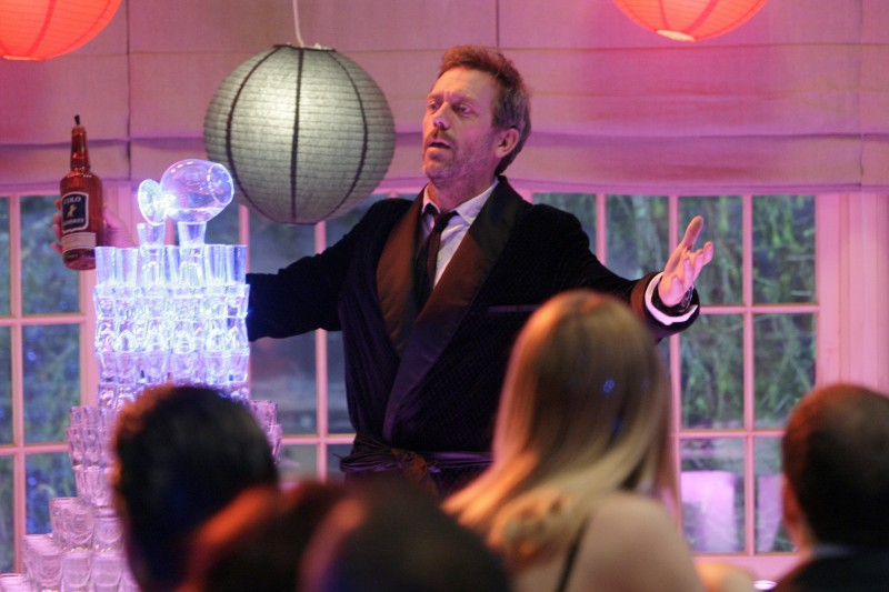 Hugh Laurie in una scena di A House Divided di Dr. House: Medical Division