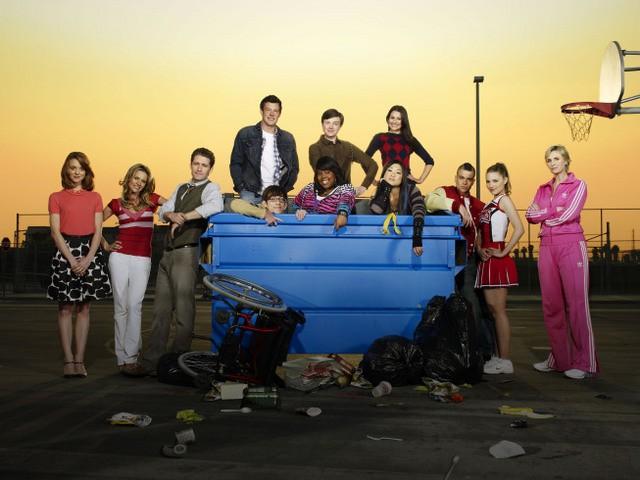 Il cast di Glee in una immagine promozionale della serie