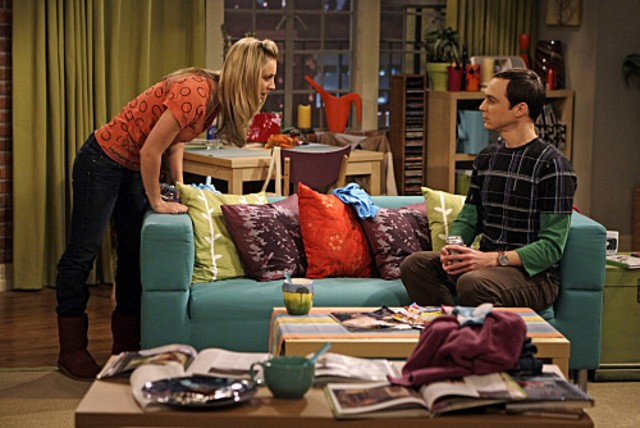 Jim Parsons e Kaley Cuoco nell'episodio The Vegas Renormalization di The Big Bang Theory