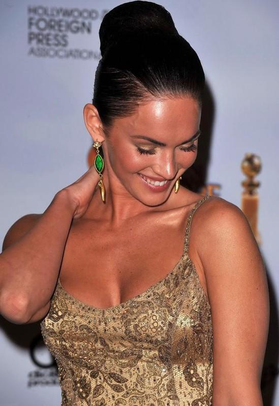 Una Megan Fox sorridente ai Golden Globes 2009