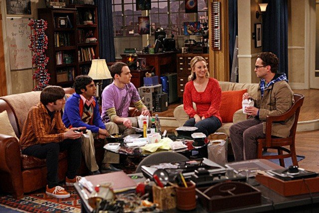 Una scena di gruppo dell'episodio The Dead Hooker Juxtaposition di The Big Bang Theory