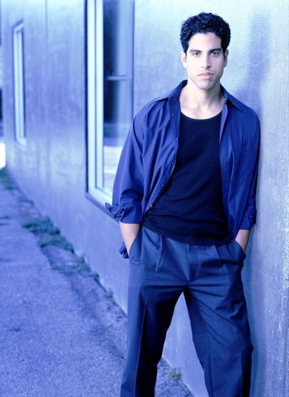Adam Rodriguez è Jesse Ramirez in Roswell