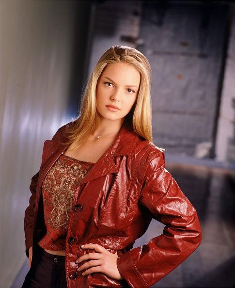 Katherine Heigl in una foto promo della 1 stagione di 'Roswell'
