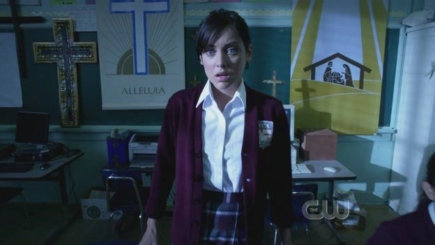 Jessica Stroup in una scena dell'episodio The Dionysian Debacle di 90210
