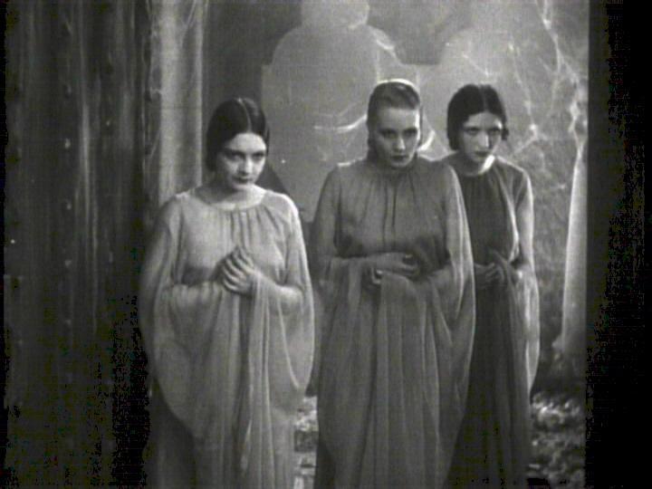 Geraldine Dvorak, Cornelia Thaw, Dorothy Tree sono le tre spose di Dracula