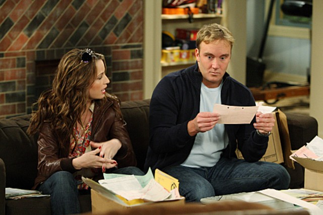 Jay Mohr e Paula Marshall nell'episodio Gary's Ex-Brother-In-Law di Gary Unmarried