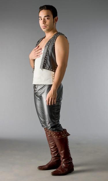 Marques Ray in una foto promozionale della serie Kröd Mändoon and the Flaming Sword of Fire