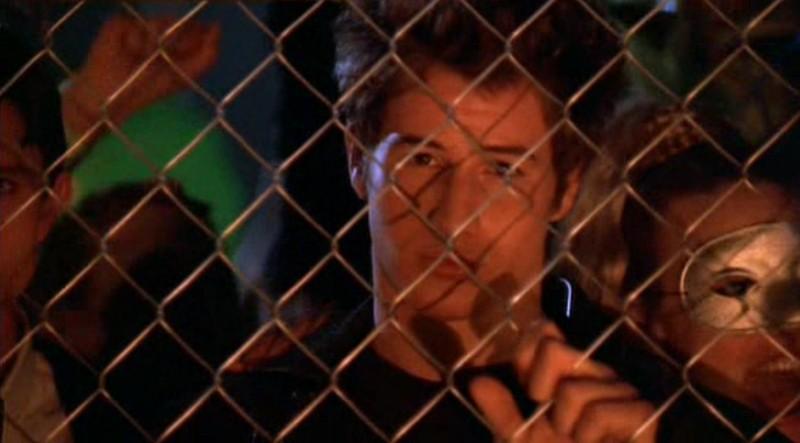 Brendan Fehr è Michael Guerin nel primo episodio della serie Roswell