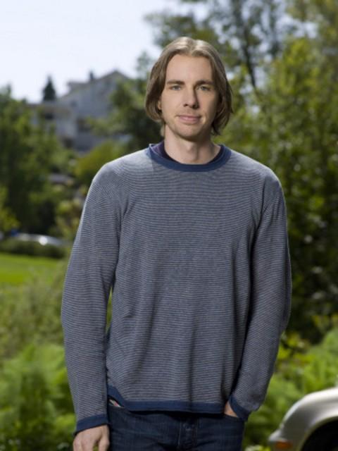 Dax Shepard è Crosby nella serie Parenthood