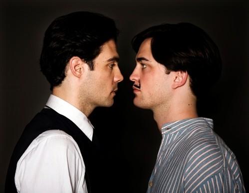 Javier Beltrán e Robert Pattinson in un'immagine di Little Ashes