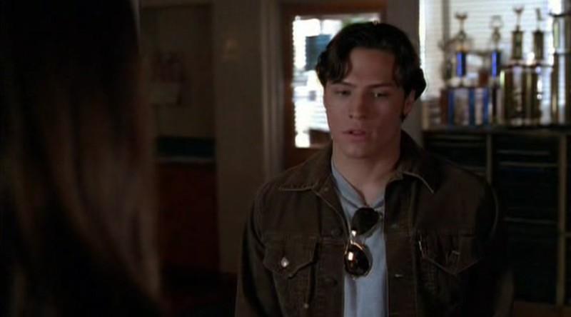 Nick Wechsler è Kyle Valenti nel primo episodio della serie Roswell