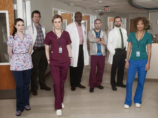 Una foto promozionale del cast di Mercy