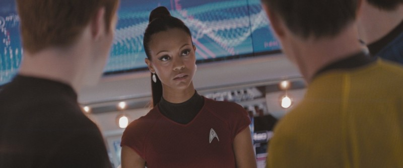 Zoe Saldana in una scena del film Star Trek