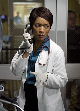 Angela Bassett nell'episodio 'The Book of Abby' della serie tv ER - Medici in prima linea