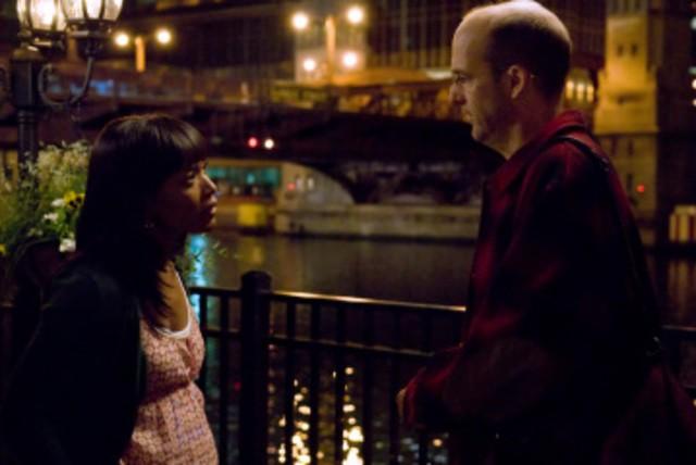 Anthony Edwards e Angela Bassett nell'episodio 'Heal Thyself' della serie tv ER - Medici in prima linea