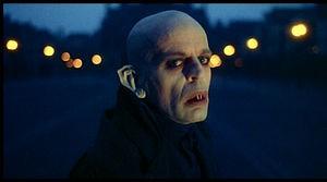 Klaus Kinski è il conte Dracula in Nosferatu, principe della notte