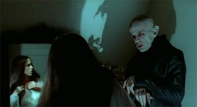 Klaus Kinski e Isabelle Adjani in una bella scena di Nosferatu, principe della notte