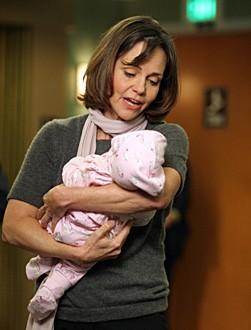 Sally Field nel ruolo di Maggie, nell'episodio 'Graduation Day' della serie tv ER - Medici in prima linea