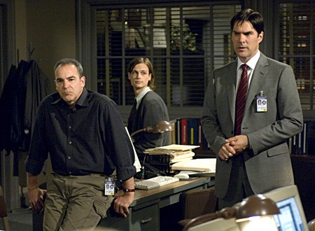 Mandy Patinkin, Matthew Gray Gubler e Thomas Gibson nella serie Criminal Minds, episodio: Il lascito