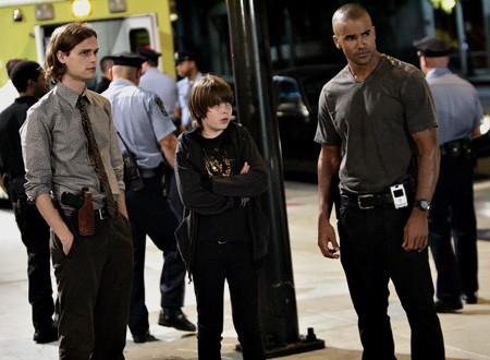 Matthew Gray Gubler, Alexander Gould e Shemar Moore nell'episodio 'Sette secondi' della serie tv Criminal Minds