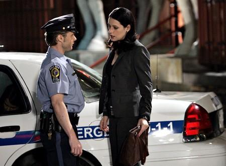 Paget Brewster in una scena dell'episodio 'Sette Secondi' della terza stagione di Criminal Minds