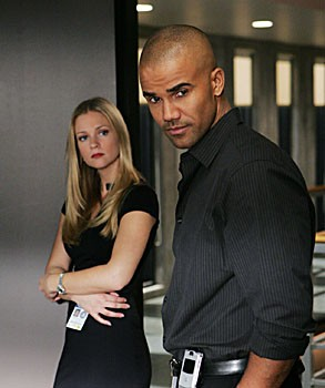 A.J. Cook e Shemar Moore in una scena dell'episodio 'Il tassello mancante' della serie tv Criminal Minds