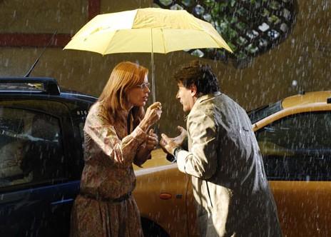 Claudia Pandolfi con Giorgio Tirabassi in una scena della prima stagione de I Liceali