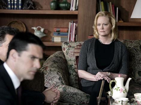 Cybill Shepherd  nell'episodio 'Il conforto della morte' della serie tv Criminal Minds