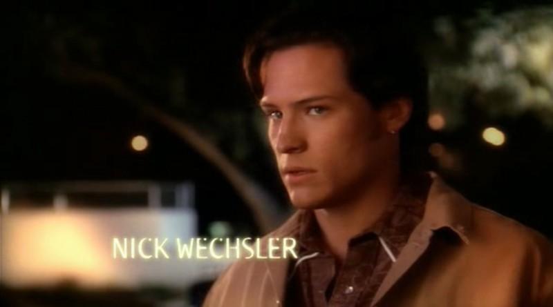 Nick Wechsler è Kyle nei titoli di testa dell'episodio 'Una vita normale' di Roswell